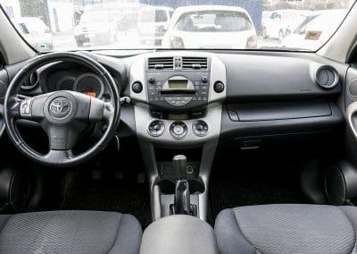 Toyota Rav 4 (4)